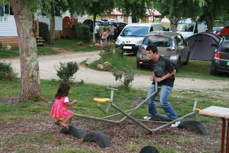 Jeux enfants Domaine de Neguenou Agen 47